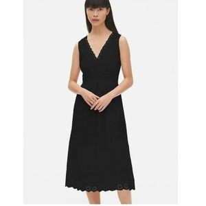 Gap NWT Eyelet V-Neck Midi Dress Black Size 4 v268